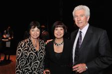 (Photo: Denis Bernier) Nicole Boutin, ex-présidente du Conseil supérieur de l'éducation; Yolande Brunelle, chargée de cours (UQAM), membre du comité d'honneur du concert-bénéfice et lauréate du Prix Reconnaissance UQAM 2010 ainsi que Gilles Duceppe, ex-chef du Bloc québécois.